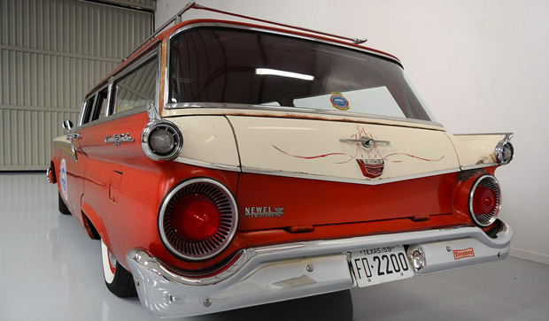 1959 Ford Country Sedan 6-passenger - rear view