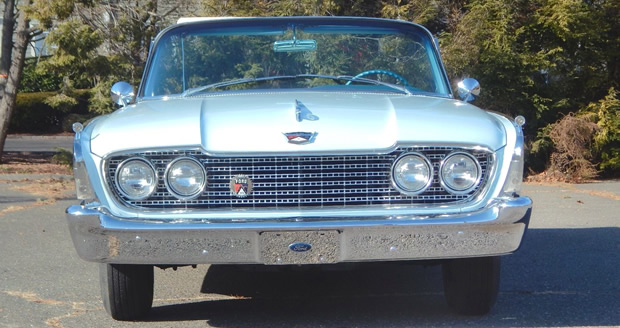 1960 Ford Galaxie Sunliner Front
