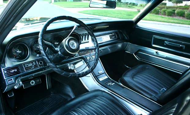 1967 Ford Thunderbird Interior / Dash