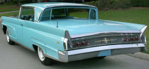 1960 lincoln continental mark v 2 door hardtop in pale turquoise. Black Bedroom Furniture Sets. Home Design Ideas
