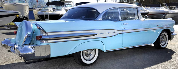 1957 Pontiac Chieftain - rear with continental kit