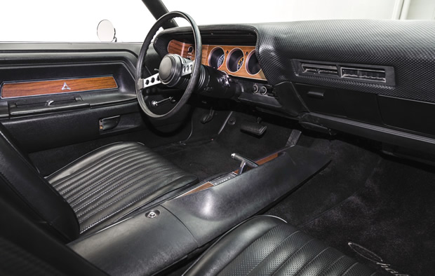 Dodge Challenger Interior >> 1972 Dodge Challenger Rallye in TX9 Black with 340 V8 engine
