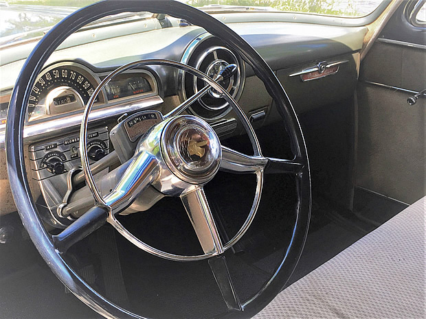 1952 Pontiac Chieftain Dash