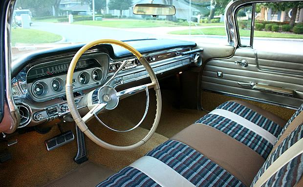 1960 Pontiac Bonneville Vista Hardtop With 389 Cubic Inch