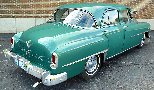 1952 Chrysler Saratoga 4-door sedan