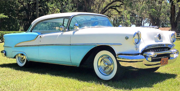 1955 Oldsmobile Super Eighty-Eight Holiday Coupe