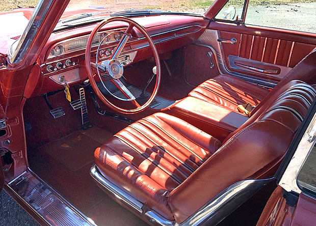 1962 Ford Galaxie 500XL interior