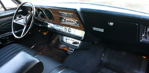 1968 Oldsmobile 98 Dash