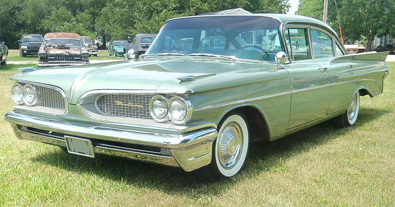 1959 Pontiac Catalina Sedan with 31,000 original miles! (Original Paint)