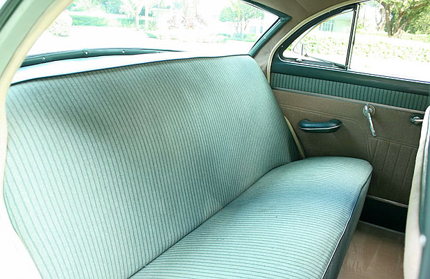 1953 Packard Clipper - rear seat