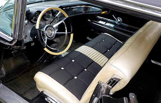 1960 Lincoln Continental Interior