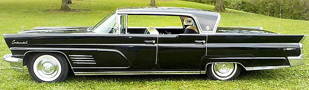 1960 Lincoln Continental Mark V side view
