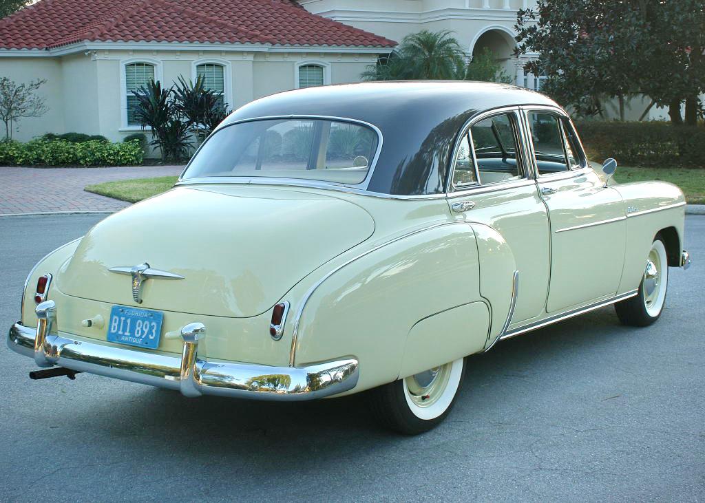 1950 Chevrolet Styleline Deluxe - Falcon Gray over Moonlight Cream
