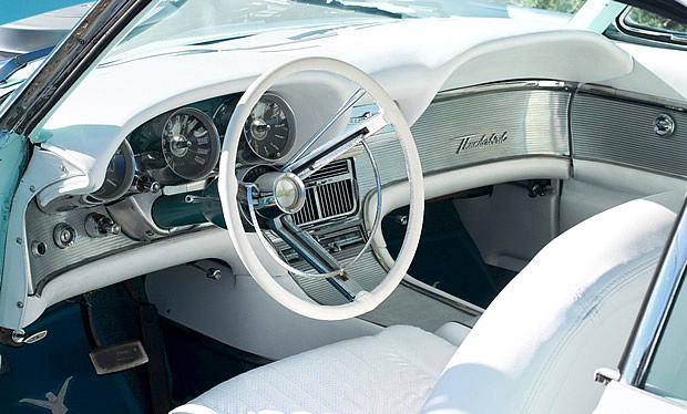 1961 Ford Thunderbird interior