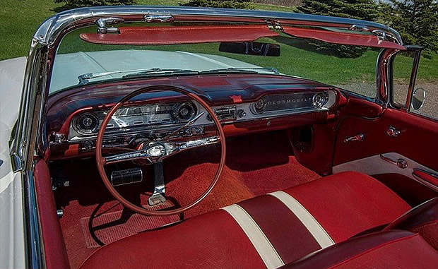 1960 Oldsmobile Dynamic 88 Convertible interior