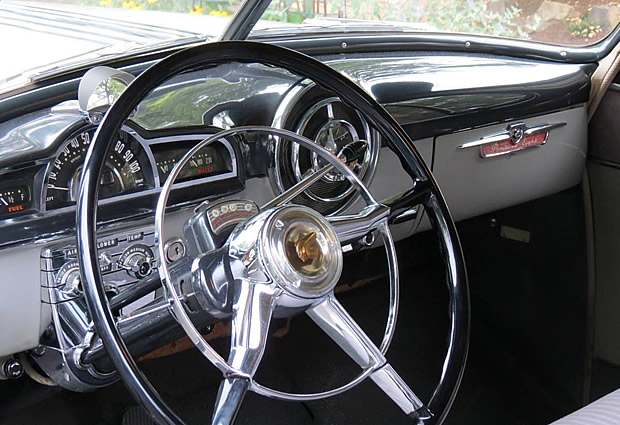 1951 Pontiac DeLuxe Instrument Panel