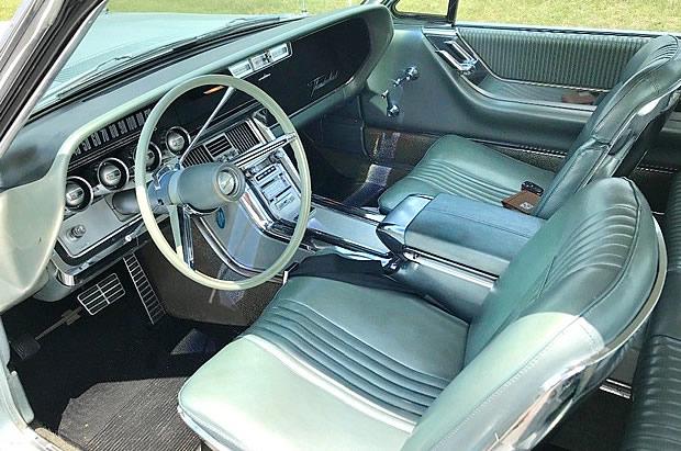 1964 Ford Thunderbird Interior