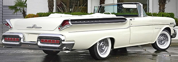 1957 Mercury Monterey Convertible - rear view
