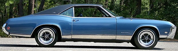 1969 Buick Riviera Side View