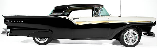 1957 Ford Skyliner - roof up