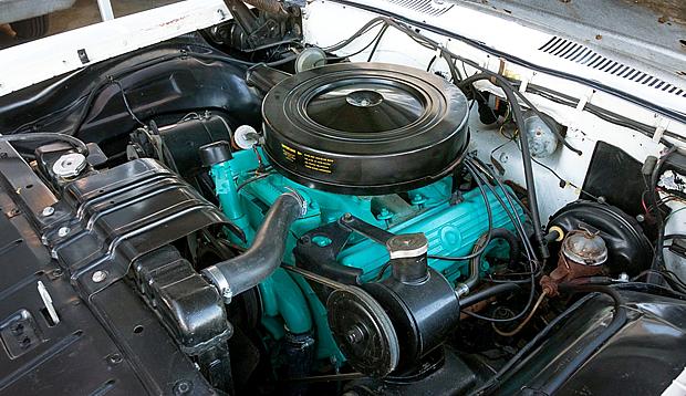 1961 Oldsmobile 394 Rocket Engine