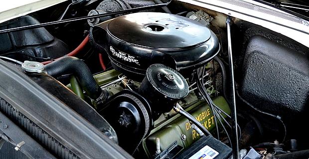 1956 Oldsmobile 324 Rocket V8