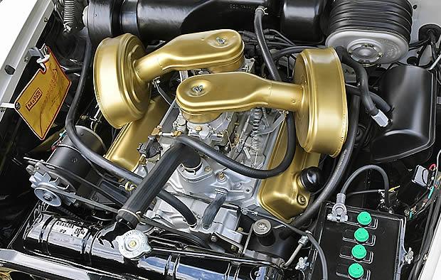 318 V8 with dual 4-barrel carburetors
