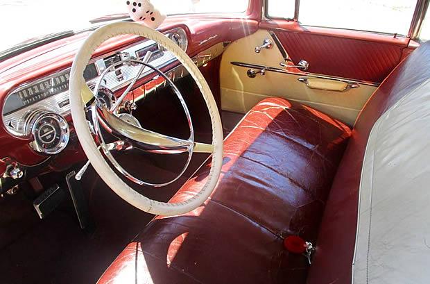 1957 Pontiac Star Chief Interior