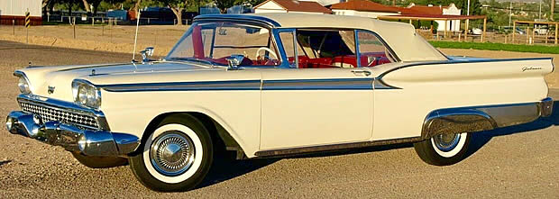 1959 Ford Sunliner - side view