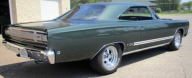 1968 Plymouth GTX side / rear view
