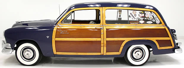 1951 Ford Woody - Side view