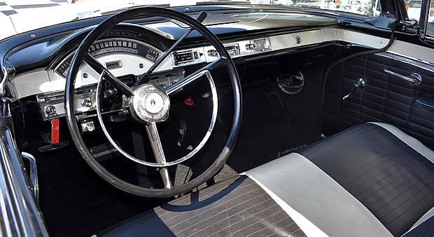 1957 Ford Sunliner Interior
