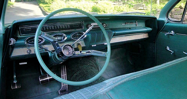 1961 Oldsmobile Instrument Panel