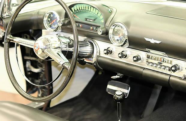 55 Thunderbird instrument panel