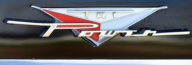 1958 pontiac tri-power fender badge