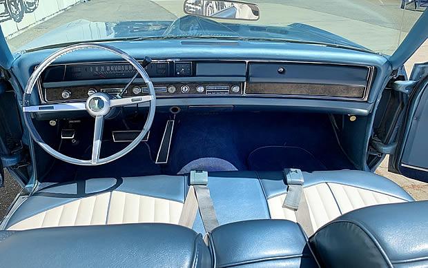 blue/white vinyl interior of the 68 Bonneville