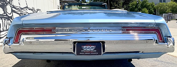 Rear view of the 1968 Pontiac Bonneville
