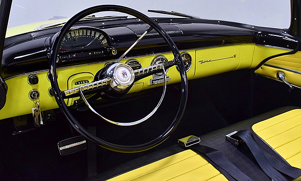 instrument panel of the 55 Fairlane Sunliner by Ford