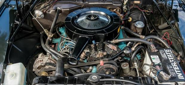 1966 Imperial 440 V8