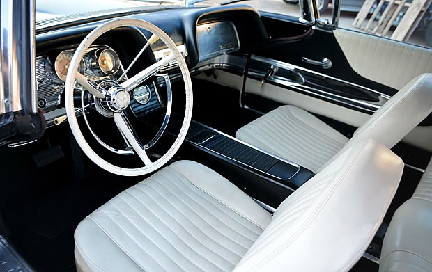 1960 Ford Thunderbird Interior