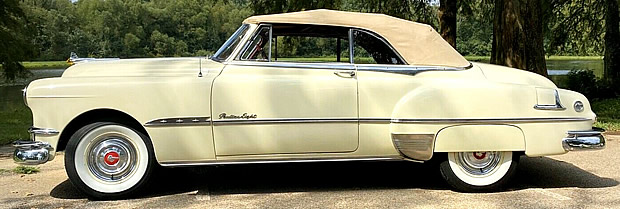 51 Pontiac Chieftain Convertible side view