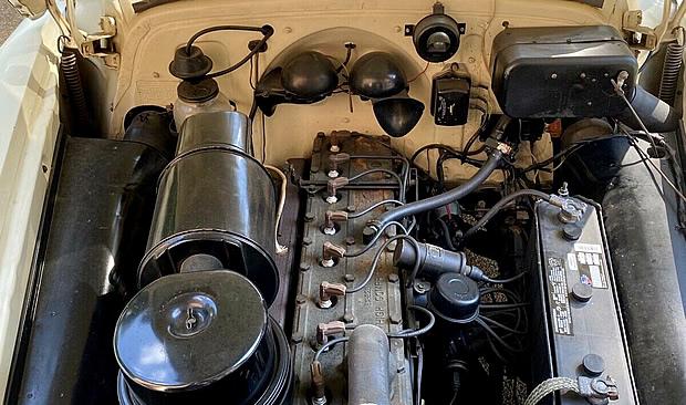 1951 Pontiac Silver Streak Eight
