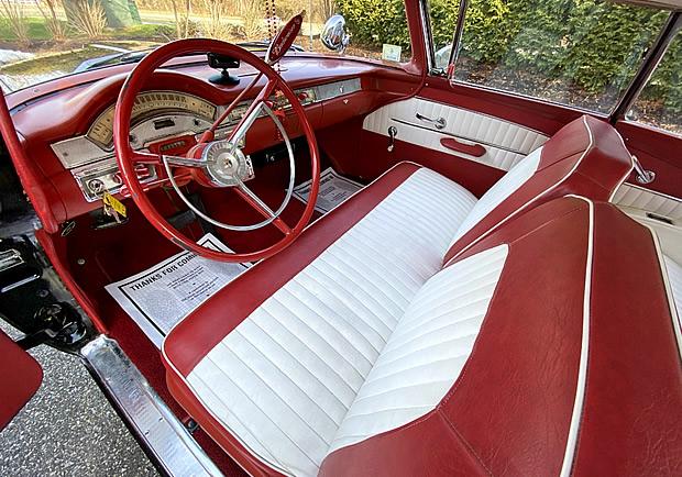 two tone vinyl interior in a 1958 Fairlane 500
