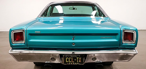 Rear view of a 69 Plymouth Road Runner