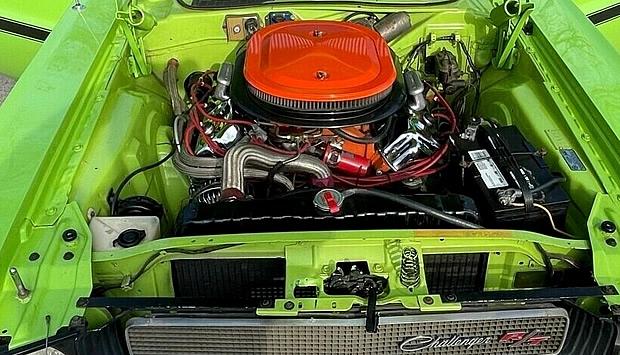 1970 Dodge 426 V8 Street Hemi